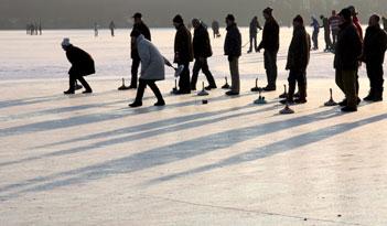Eisstockschießen in Ulm